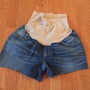 Maternity shorts medium